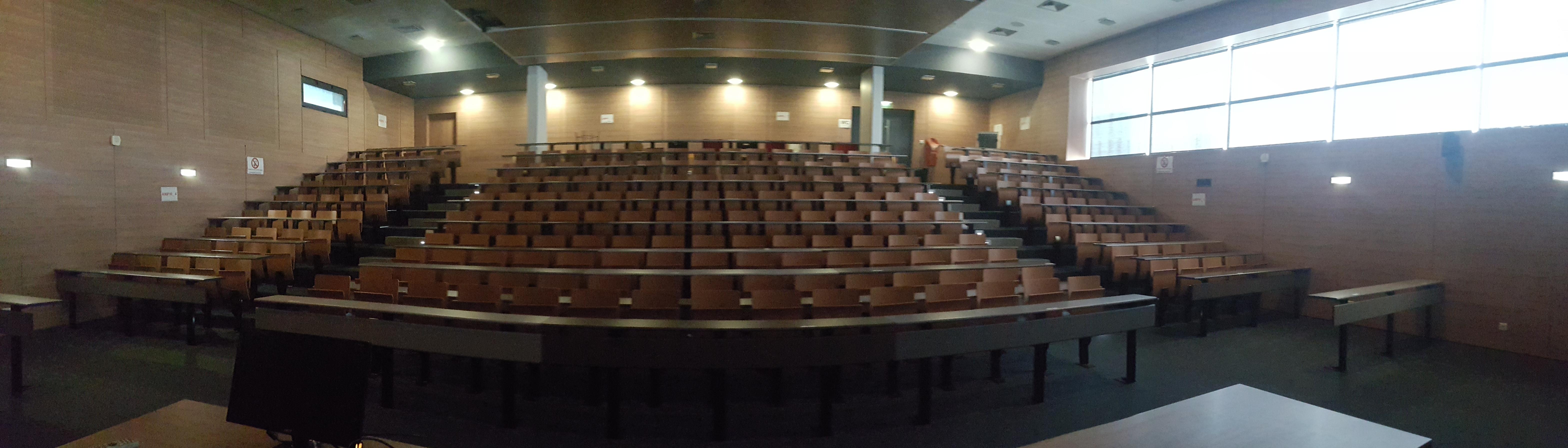 Amphithéâtre du lycée st exupéry à Marseille