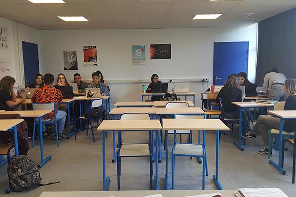 Salle de cours du BTS communication à Marseille